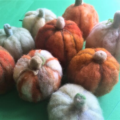 needlefelting pumpkins